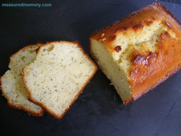 Lemon Poppy Seed Yogurt Cake
